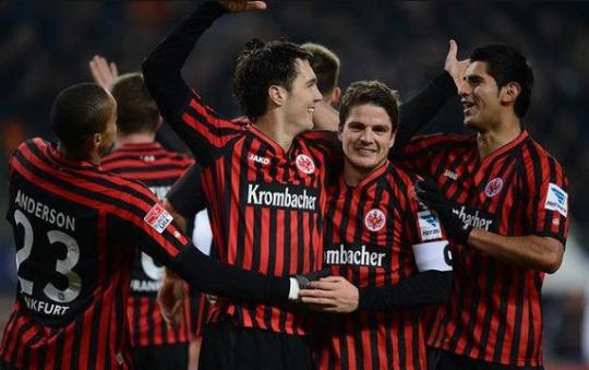 คู่ที่ 2 ฟุตบอล บุนเดสลีก้า เยอรมัน 2020/2021 วันอาทิตย์ ที่ 17 มกราคม 2564 เวลา 00:00 แฟรงเฟิร์ต พบ ชาลเก้